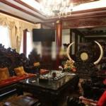 Nội thất gỗ độc đáo của biệt thự ở Hà Nội