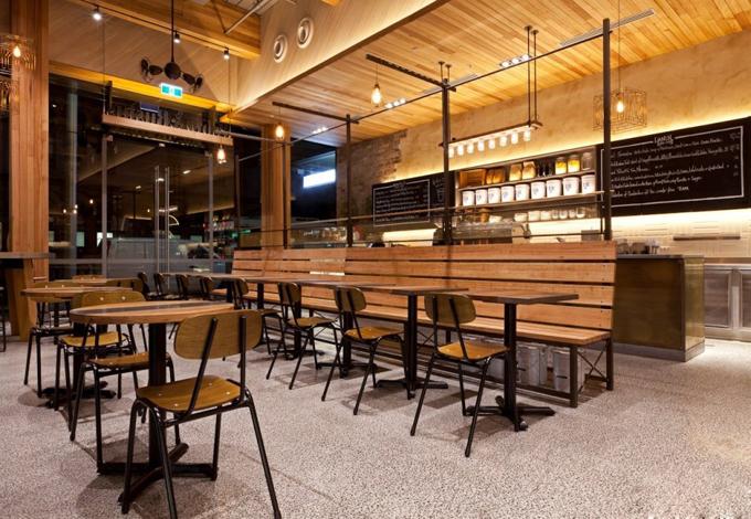 Không gian nhà đẹp với tường ốp gỗ nội thất - Quán Cafe