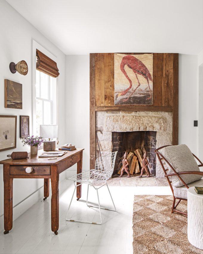 Thiết kế nội thất nhà chất liệu gỗ tự nhiên - Bàn gỗ làm việc