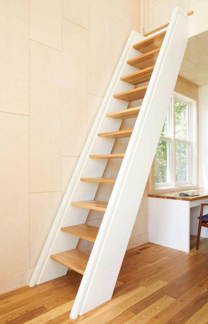 Thiết kế gỗ nội thất cầu thang cho nhà ống hợp phong thủy - 1