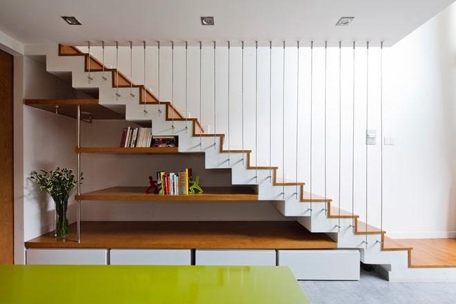 Thiết kế gỗ nội thất cầu thang cho nhà ống hợp phong thủy - 5